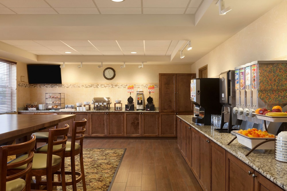 Coffee Service, Country Inn & Suites by Radisson, Dundee, MI