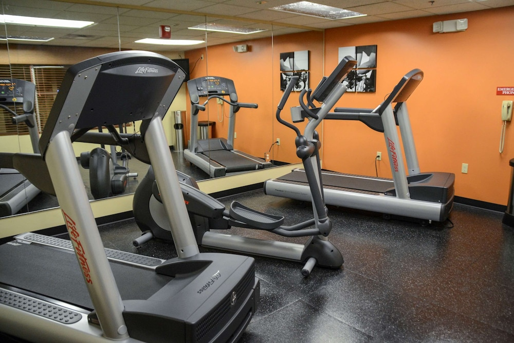 Fitness Facility, Country Inn & Suites by Radisson, Dundee, MI