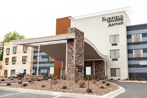 Great Place to stay Fairfield Inn & Suites by Marriott Rockingham near Rockingham