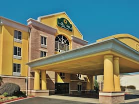 La Quinta Inn & Suites by Wyndham Hot Springs