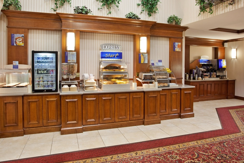 Breakfast Meal, Holiday Inn Express & Suites Marion