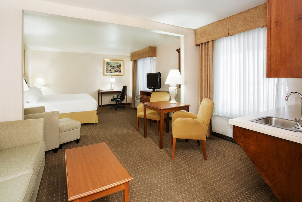 Room, Holiday Inn Express & Suites Marion