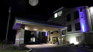 Holiday Inn Express Hotel & Suites Plymouth