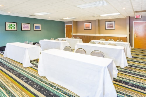 Holiday Inn Express Plymouth