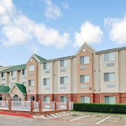 Days Inn & Suites North Dallas Near Medical Center of Plano