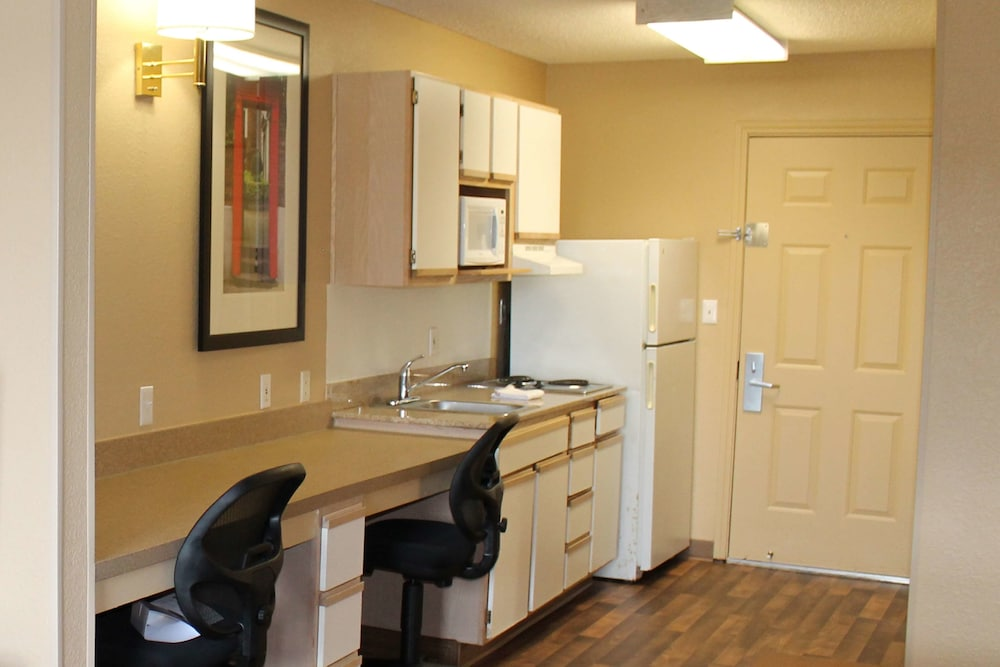 Private Kitchen, Extended Stay America - Houston - Sugar Land