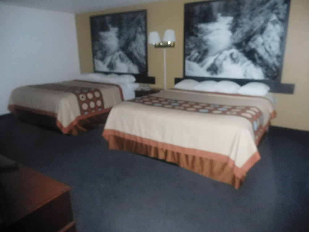 Room, Super 8 by Wyndham Oroville