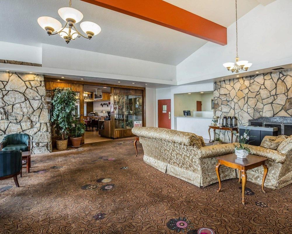 Econo Lodge new Reno-Sparks Convention Center, Reno - Room Prices ...