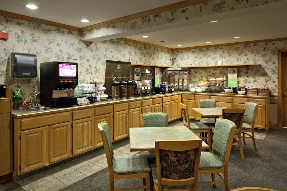 Restaurant, Country Inn & Suites by Radisson, Port Washington, WI