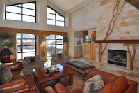 Penthouse, 4 Bedrooms (Grand Summit)