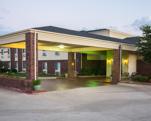 Great Place to stay Comfort Inn & Suites near Red Oak