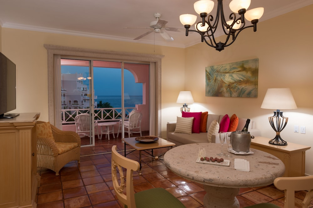 In-Room Dining, Pueblo Bonito Rose Resort and Spa - All Inclusive