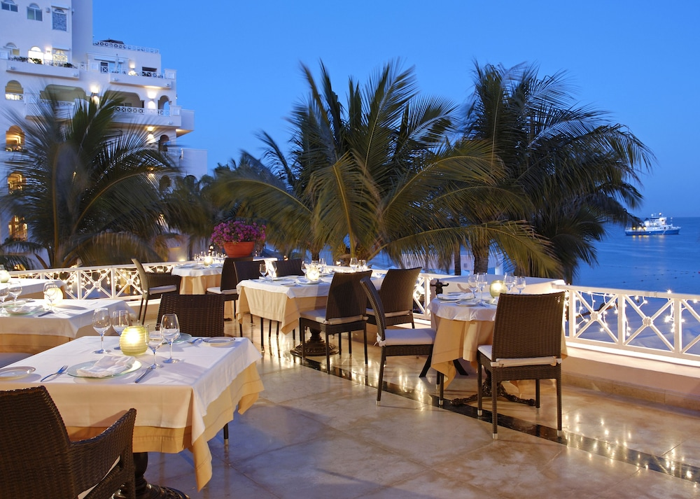 Outdoor Dining, Pueblo Bonito Rose Resort and Spa - All Inclusive