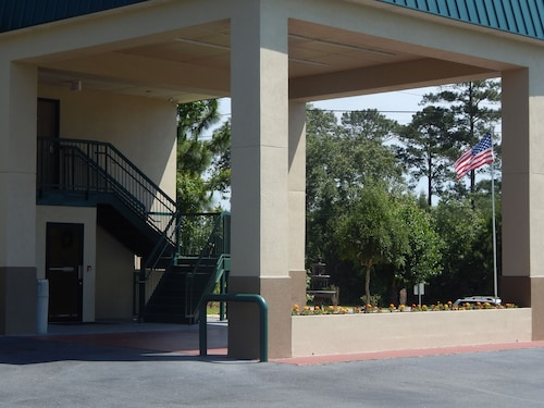 Check Expedia for Availability of Western Motel