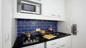 냉장고, 전자레인지, 스토브, 식기 세척기