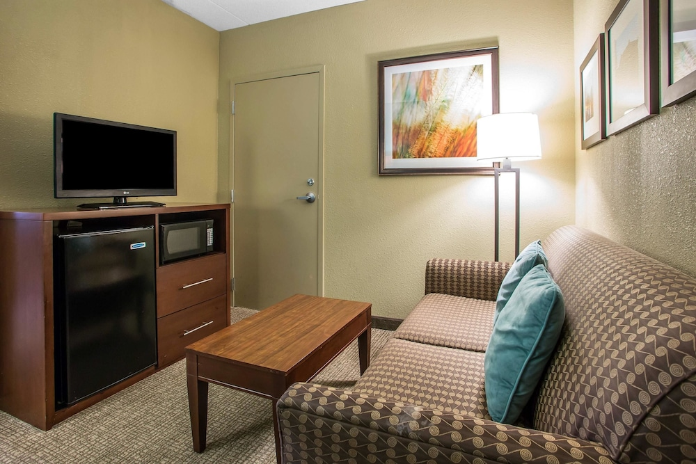 Comfort Suites O Hare Airport In Chicago Hotel Rates