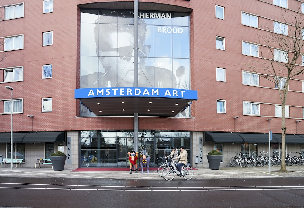 Front of Property, WestCord Art Hotel Amsterdam 3