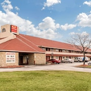 Econo Lodge Airport - Holland