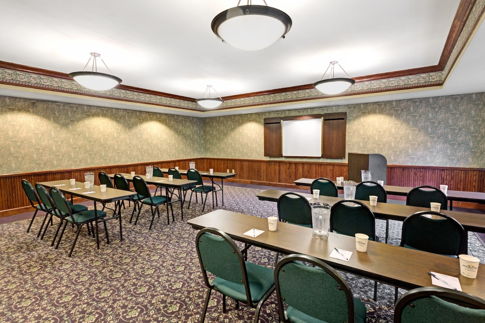 Meeting Facility, Microtel Inn & Suites by Wyndham Atlanta/Perimeter Center