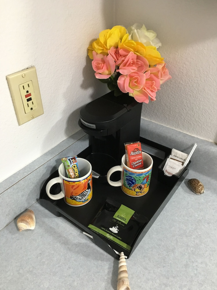 Coffee and/or Coffee Maker, Oceanview Motel - Huntington Beach