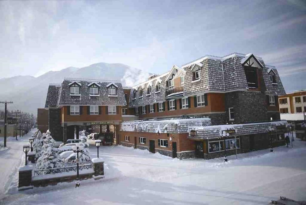 Snow and Ski Sports, Mount Royal Hotel