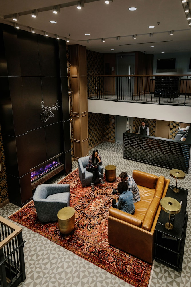 Lobby Sitting Area, Mount Royal Hotel