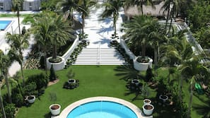 2 piscinas al aire libre (de 6:00 a 20:00), cabañas de piscina (de pago)