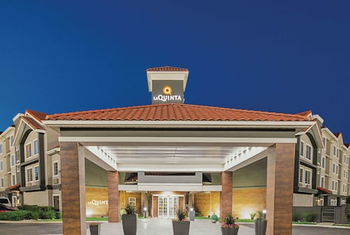 La Quinta Inn & Suites by Wyndham Fort Worth North