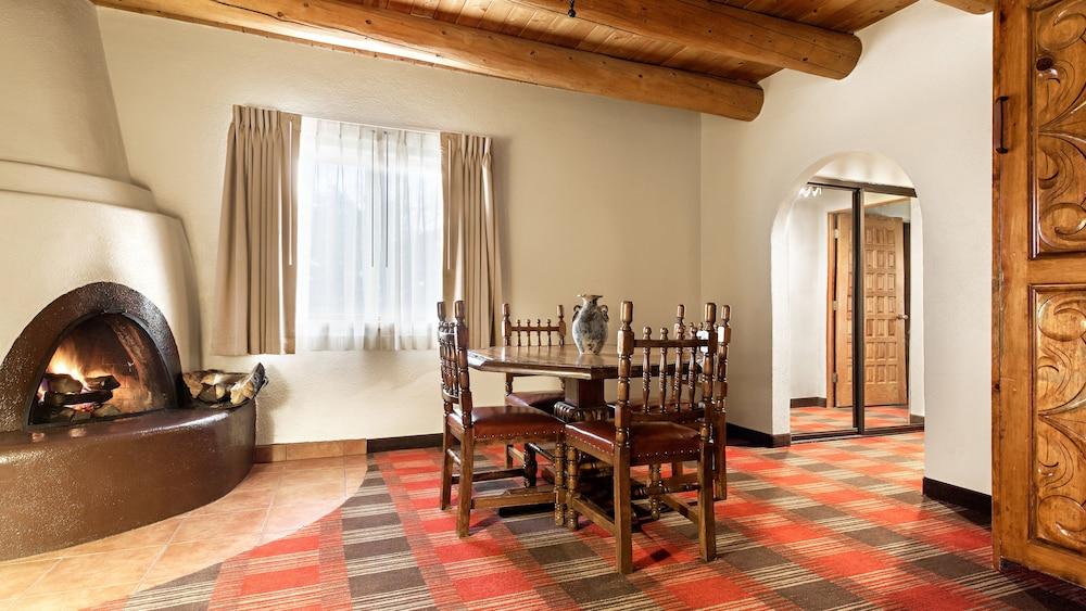 Paseo De San Francisco Suites Room Rates