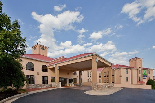 Holiday Inn Express Hotel & Suites Waynesboro - Route 340