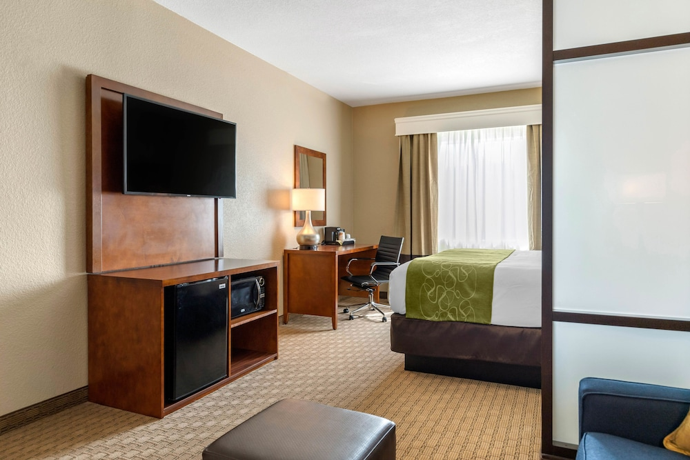 Room, Comfort Suites Airport North