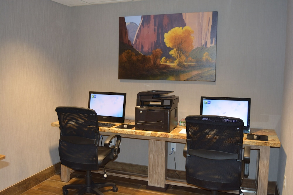 Business Center, Holiday Inn Express Springdale - Zion National Park Area, an IHG Hotel