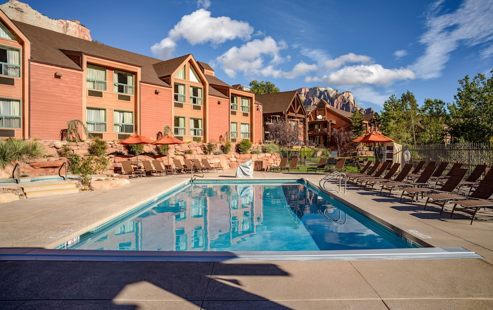 Pool, Holiday Inn Express Springdale - Zion National Park Area, an IHG Hotel