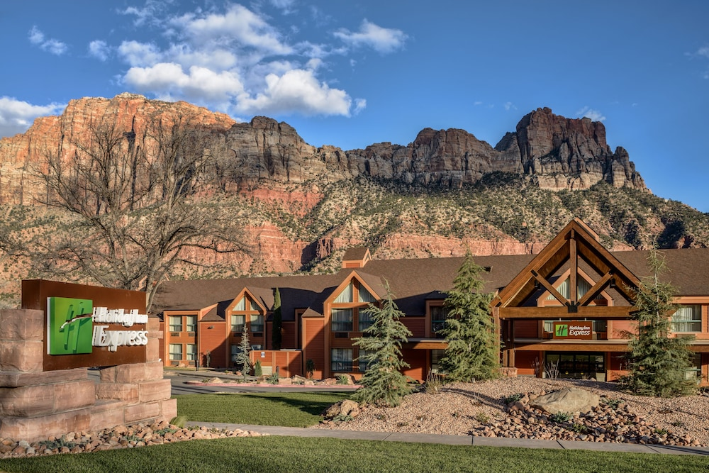 Exterior, Holiday Inn Express Springdale - Zion National Park Area, an IHG Hotel