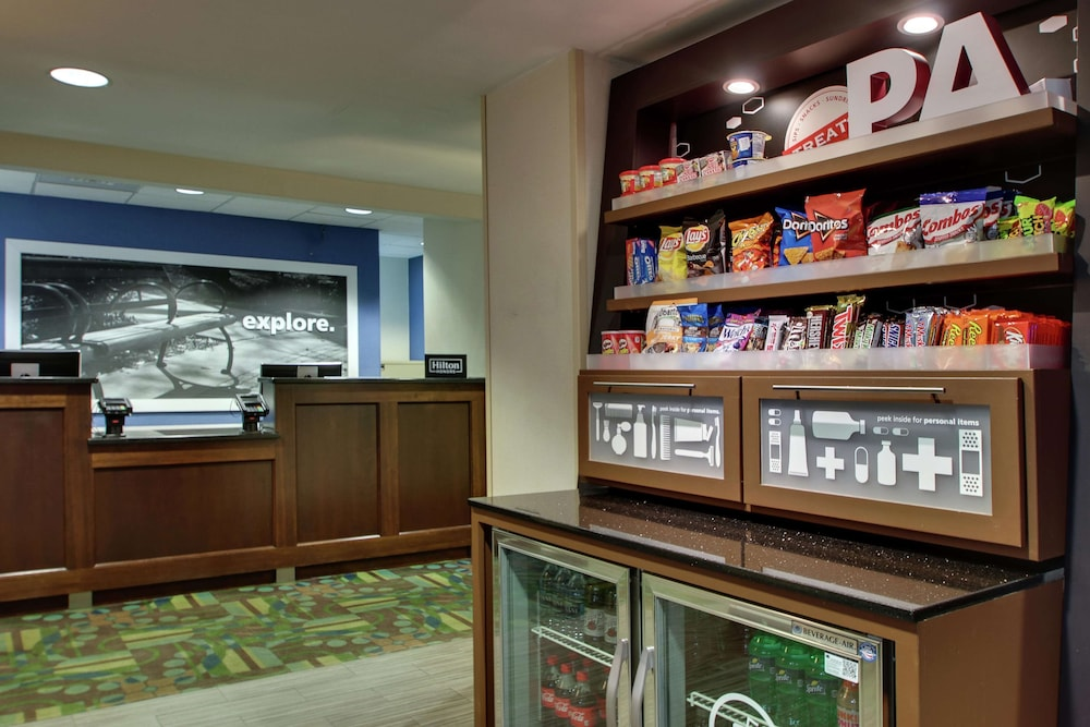 Snack Bar, Hampton Inn DuBois