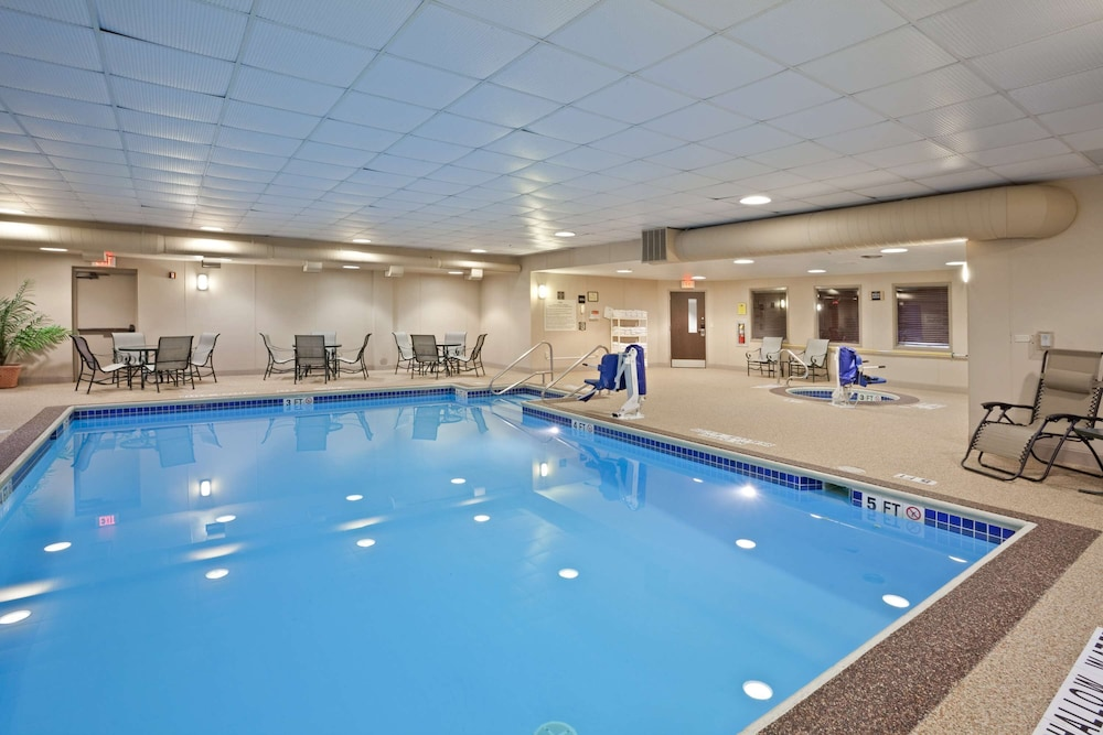 Pool, Hampton Inn DuBois