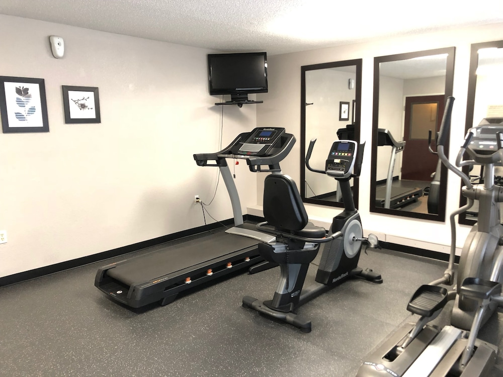 Fitness Facility, Country Inn & Suites by Radisson, Greenville, NC