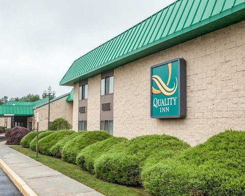 Quality Inn McGuire AFB - Fort Dix near Bordentown