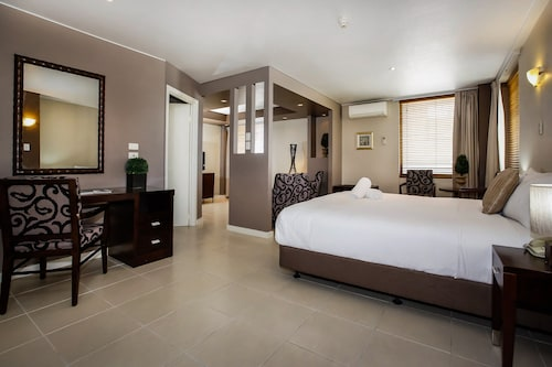 Madison Plaza Townsville