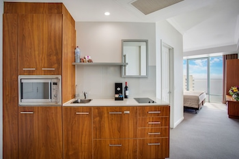 Hotel Deluxe Ocean Studio - In-Room Kitchenette