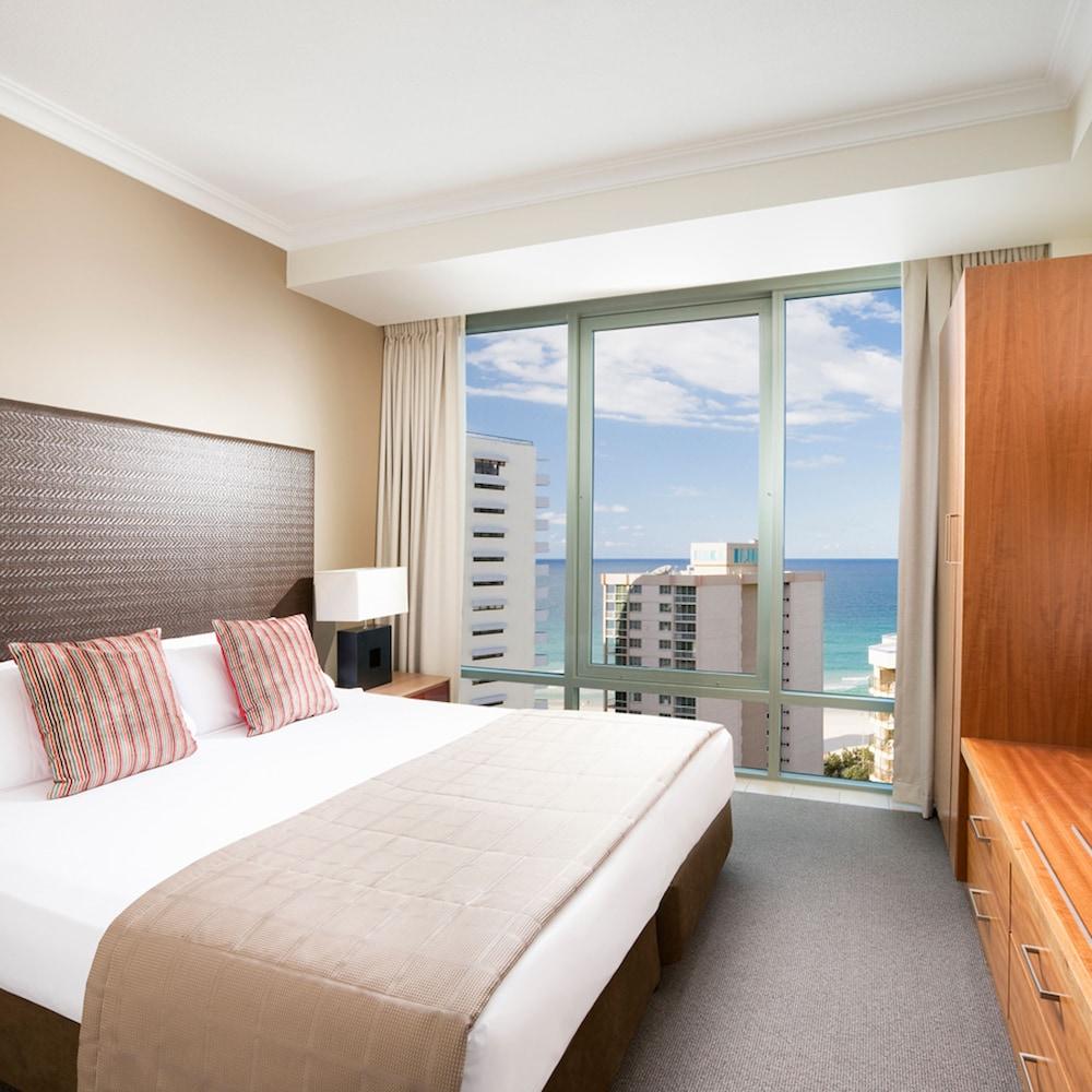 Mantra Legends Hotel Surfers Paradise Aus Best Price Guarantee