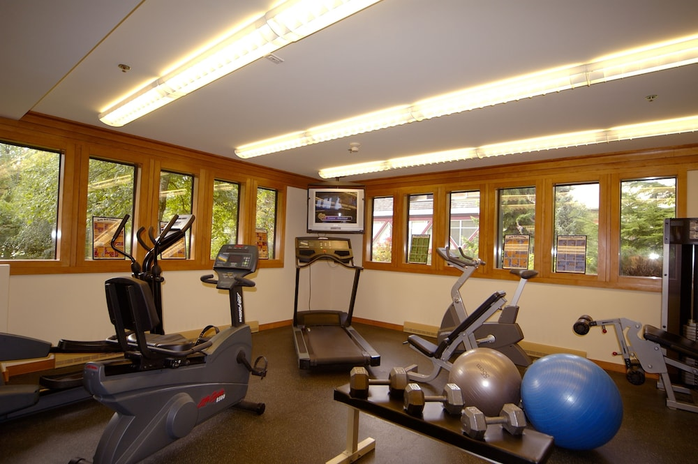 Fitness Facility, Whistler Village Inn And Suites
