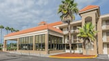 Quality Inn & Suites Kissimmee by The Lake - Kissimmee Hotels
