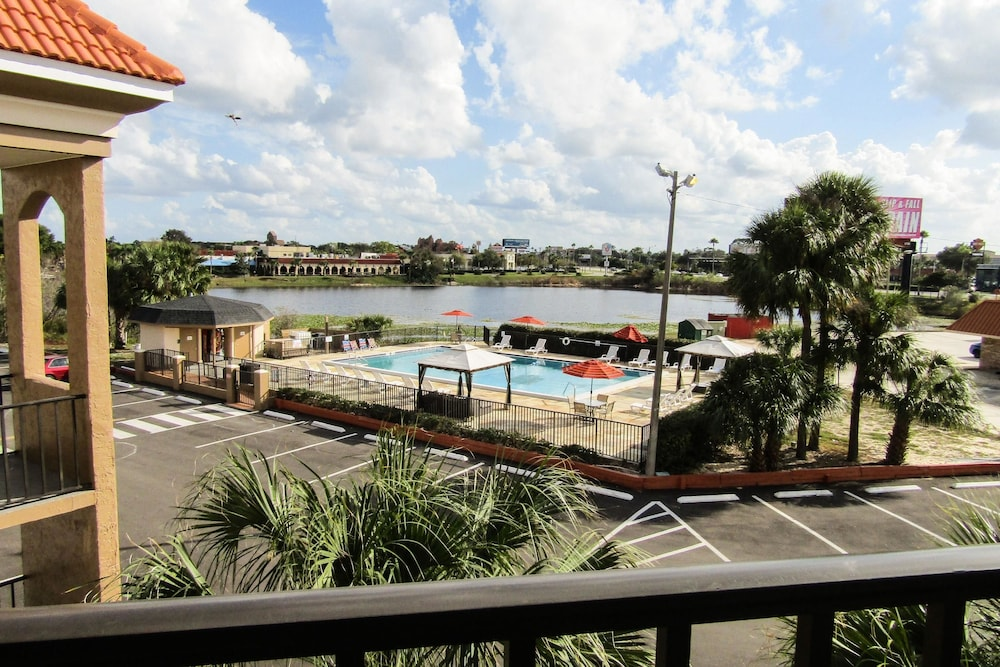Lake View, Quality Inn & Suites Kissimmee by The Lake
