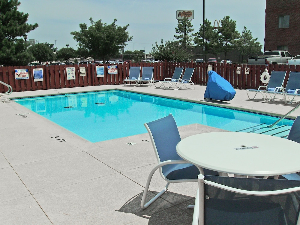 Pool, Extended Stay America - Tulsa - Midtown