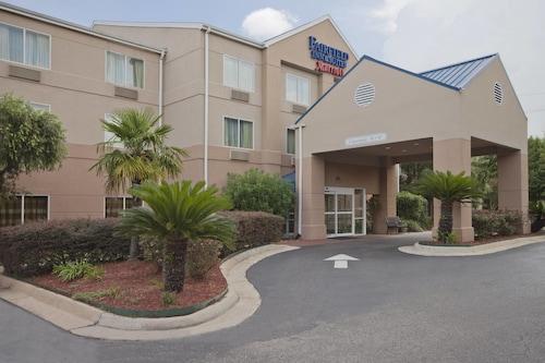 Check Expedia for Availability of Fairfield Inn & Suites by Marriott Lake Charles Sulphur