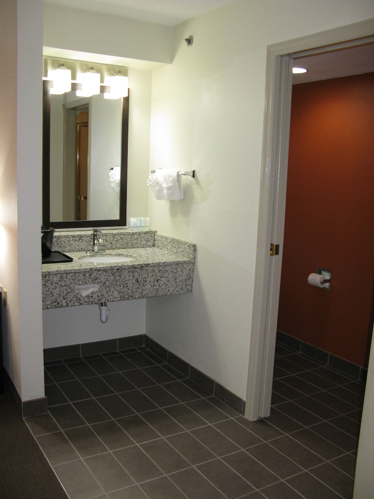 Bathroom, Sleep Inn