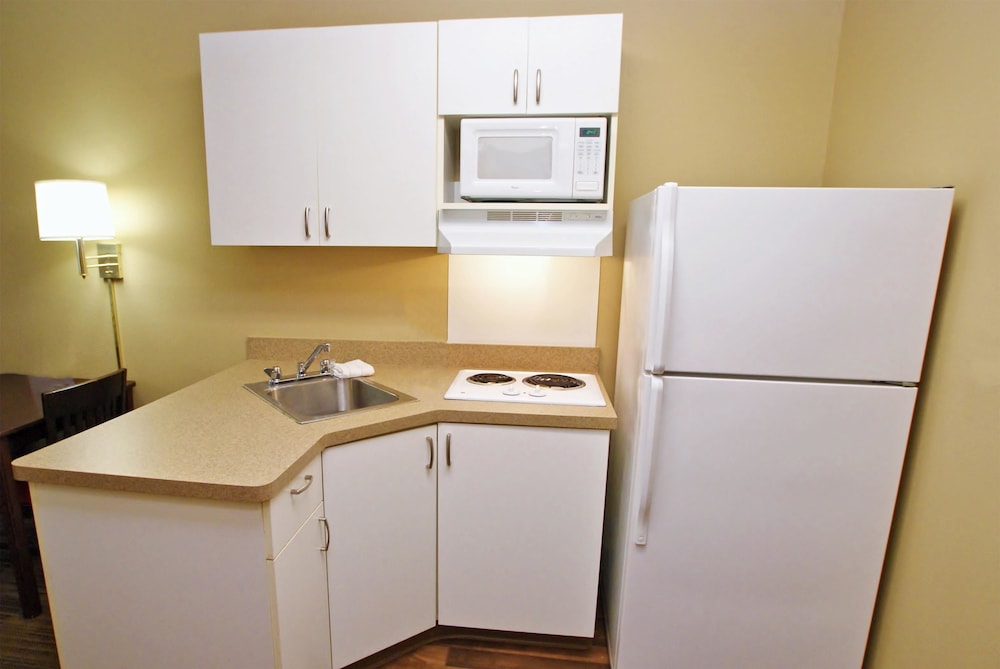 Private Kitchen, Extended Stay America Los Angeles - Ontario Airport