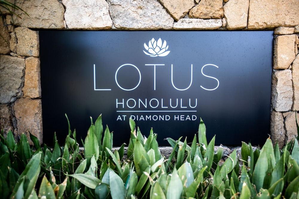 Front of Property, Lotus Honolulu at Diamond Head
