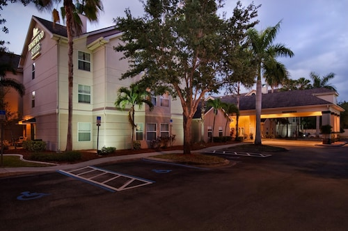 Homewood Suites by Hilton - Fort Myers